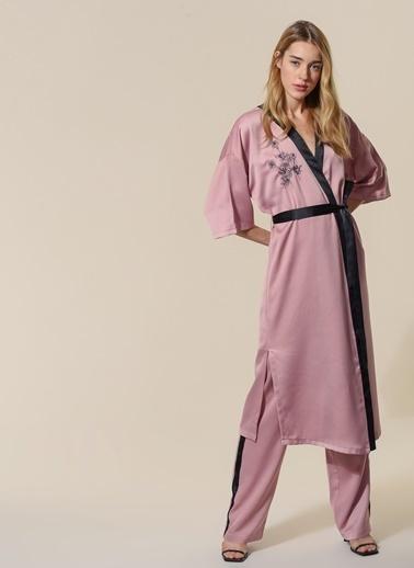 Agenda Nakışlı Saten Kimono Pudra